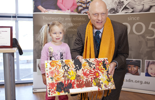 Milperra children's pinting and The Hon. Peter Garrett AM, MP